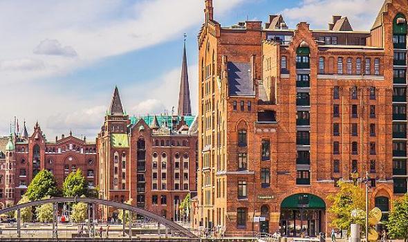 hamburg-germany-historic-buildings